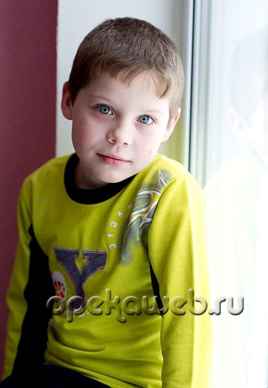 Дима славный мальчишка красивый с
